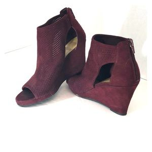 DV8 Cabernet sueded sandals